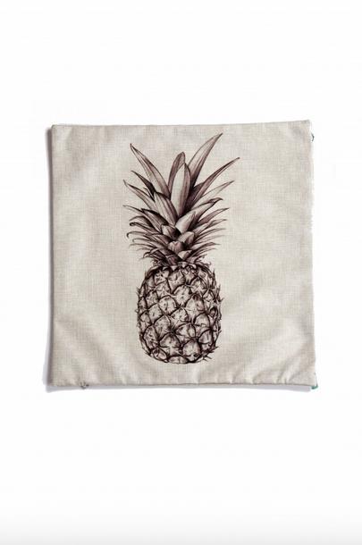 https://prettywire.fr/idees-cadeaux-de-noel-decoration/2991393-coussin-ananas.html