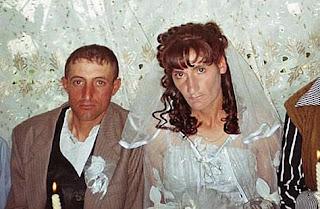 Lustige Bilder - hässliche Eheschließung - Heirat zum lachen