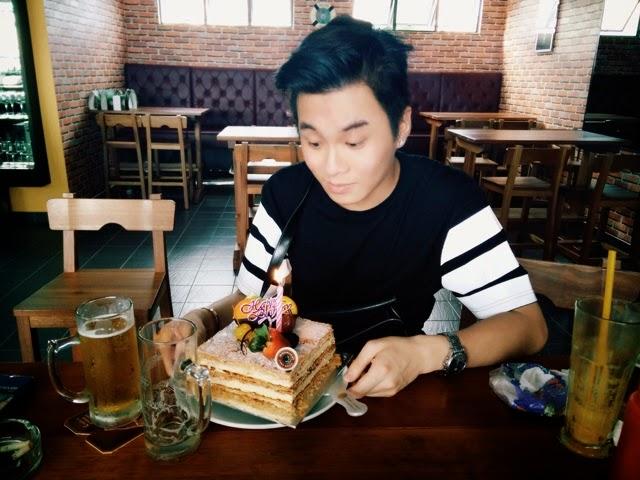 Ray Tan 陳學沿 (raytansy) ; Harvests Bar & Grill @ Senibong Cove, Johor Bahru, Malaysia