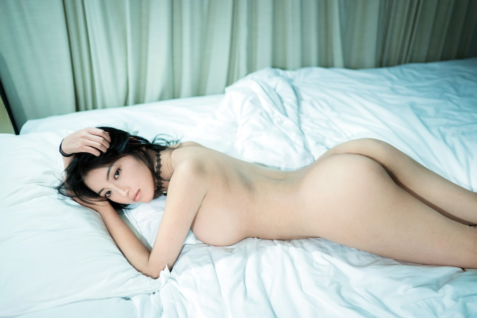 chinese-girl-nude-morning