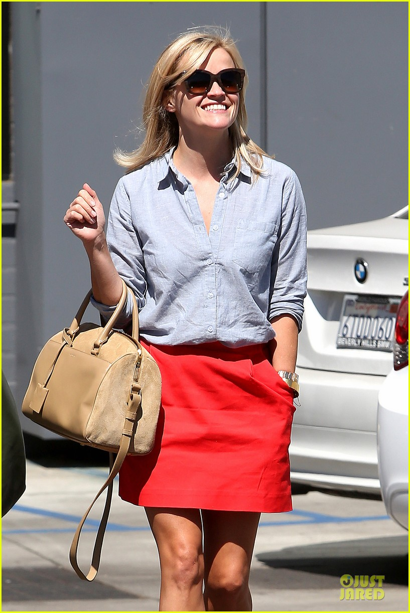 Nautical By Nature Reese Witherspoon Nautical Summer Style