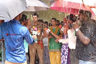 Ganesh Venkatraman Swetha Menon Starring Inaiyathalam Movie Stills  0007.JPG