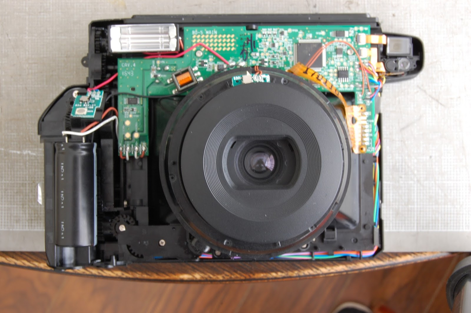 The Shutter Goes Click With Jj Lee Instax Wide 300 Teardown For Hacks And Mods Diy Led Camera One Of My Big Priorities Was To Disable Flash It Disconnected Orange White Wires From Capacitor See Picture Below Why