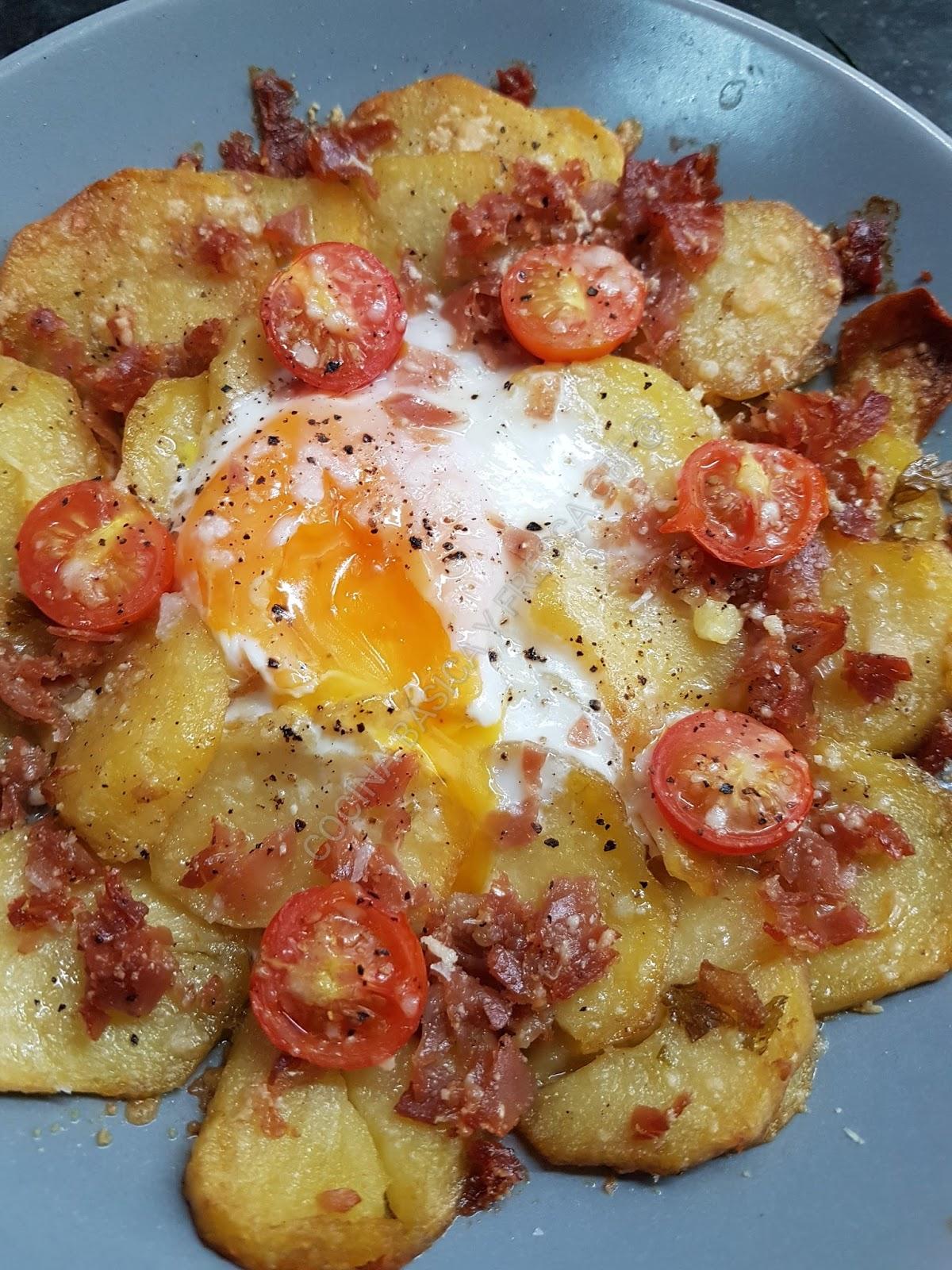 Cocina basica y fresca patatas al plato con huevo y jam n for Cocina 1 plato