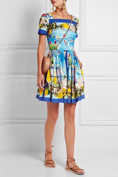 https://www.net-a-porter.com/Shop/Designers/Dolce_and_Gabbana?pn=1&npp=60&image_view=product&dScroll=0