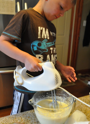 mix eggs and cake mix