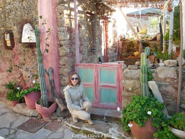 malowniczy nieco meksykańskie zdobienie domu na Tinos
