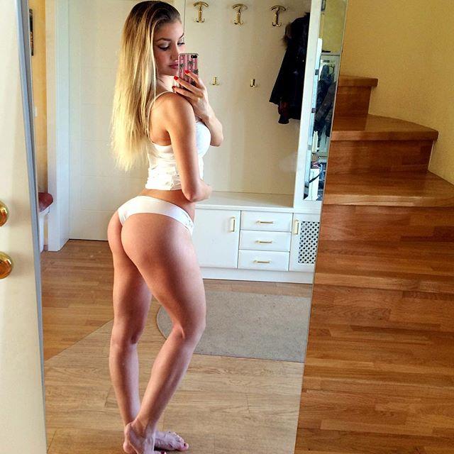 Fitness Model JULIA BÄSSLER Instagram
