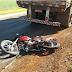Dois feridos em acidente entre moto e caminhão na PR-182