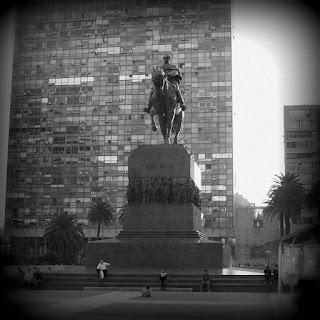 Mausoléu de Artigas, em Montevidéu: Heroi Nacional do Uruguai