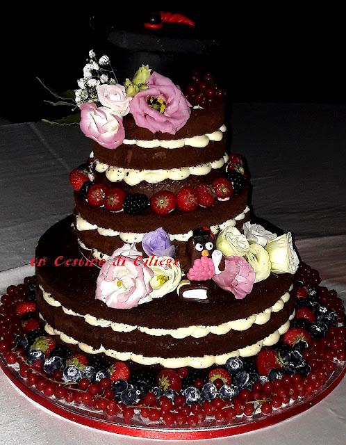 naked cake laurea, con crema al mascarpone e frutti di bosco