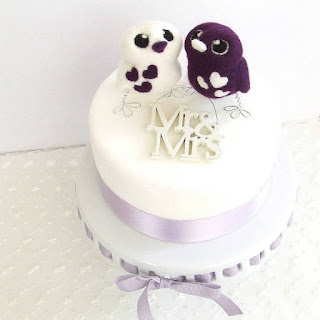 Pretty Cute Bird Wedding Cake Topper