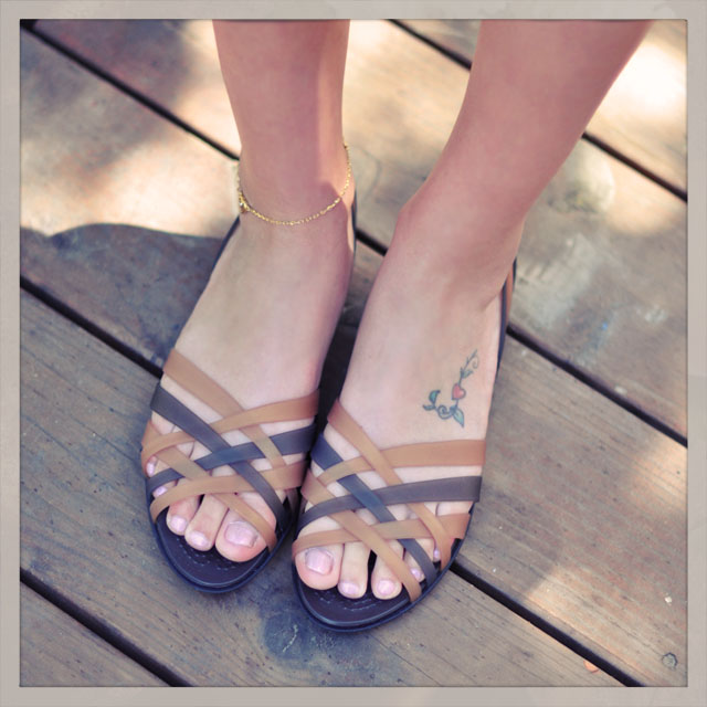 Hurache sandals, foot tattoo