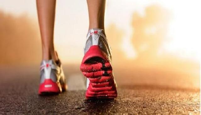Τι θα συμβεί στο σώμα σας αν περπατάτε 30 λεπτά κάθε μέρα