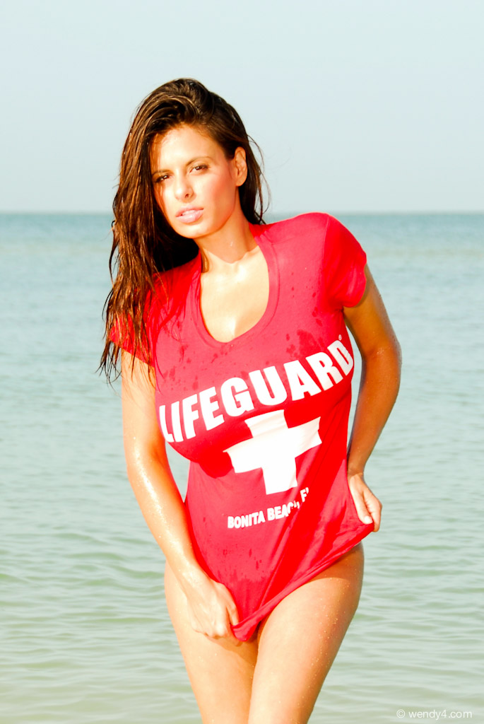 Wendy Fiore - Wet Lifeguard Shirt  Surfreportes News-4608