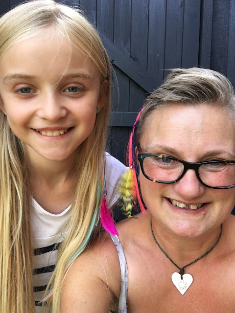 madmumof7 with daughter