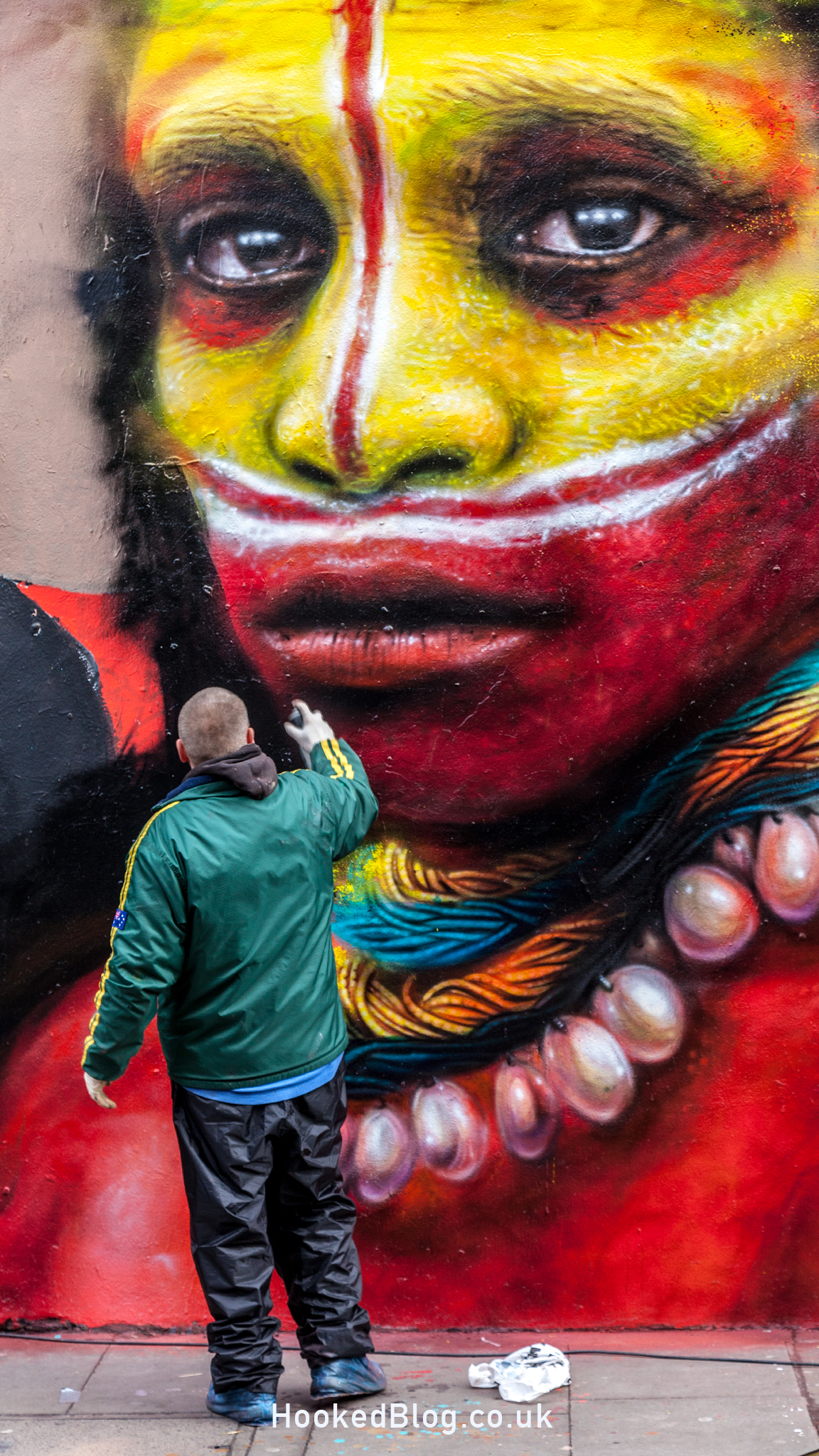 Magnificent Mural on Hanbury Street, London by street artist Dale Grimshaw. #streetart #mural #Hookedblog