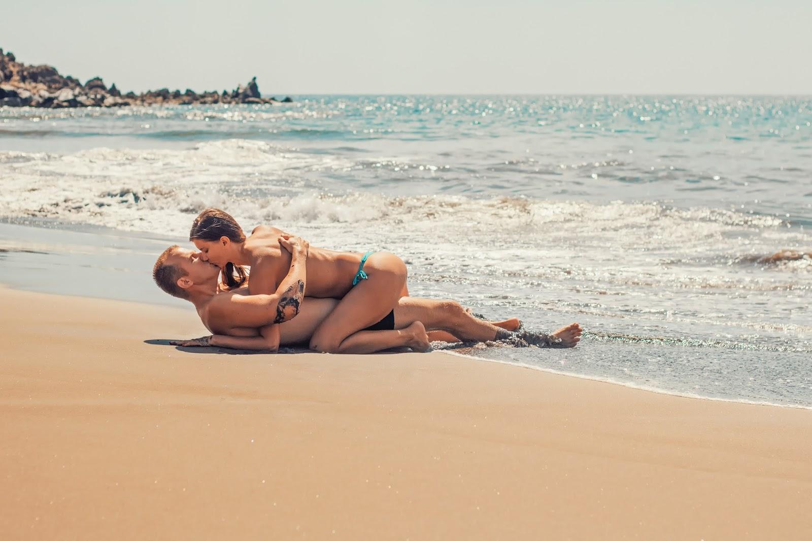 Girls on the beach having sex — 3