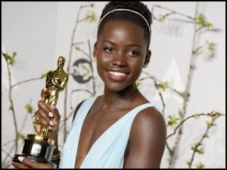 Lupita Nyong'g en los Oscars 2014