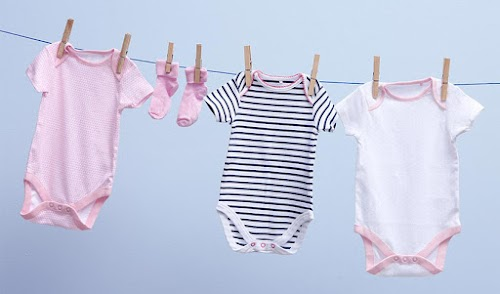 Kiat Memilih Produk Detergen Untuk Mencuci Baju Bayi agar Tidak Alergi