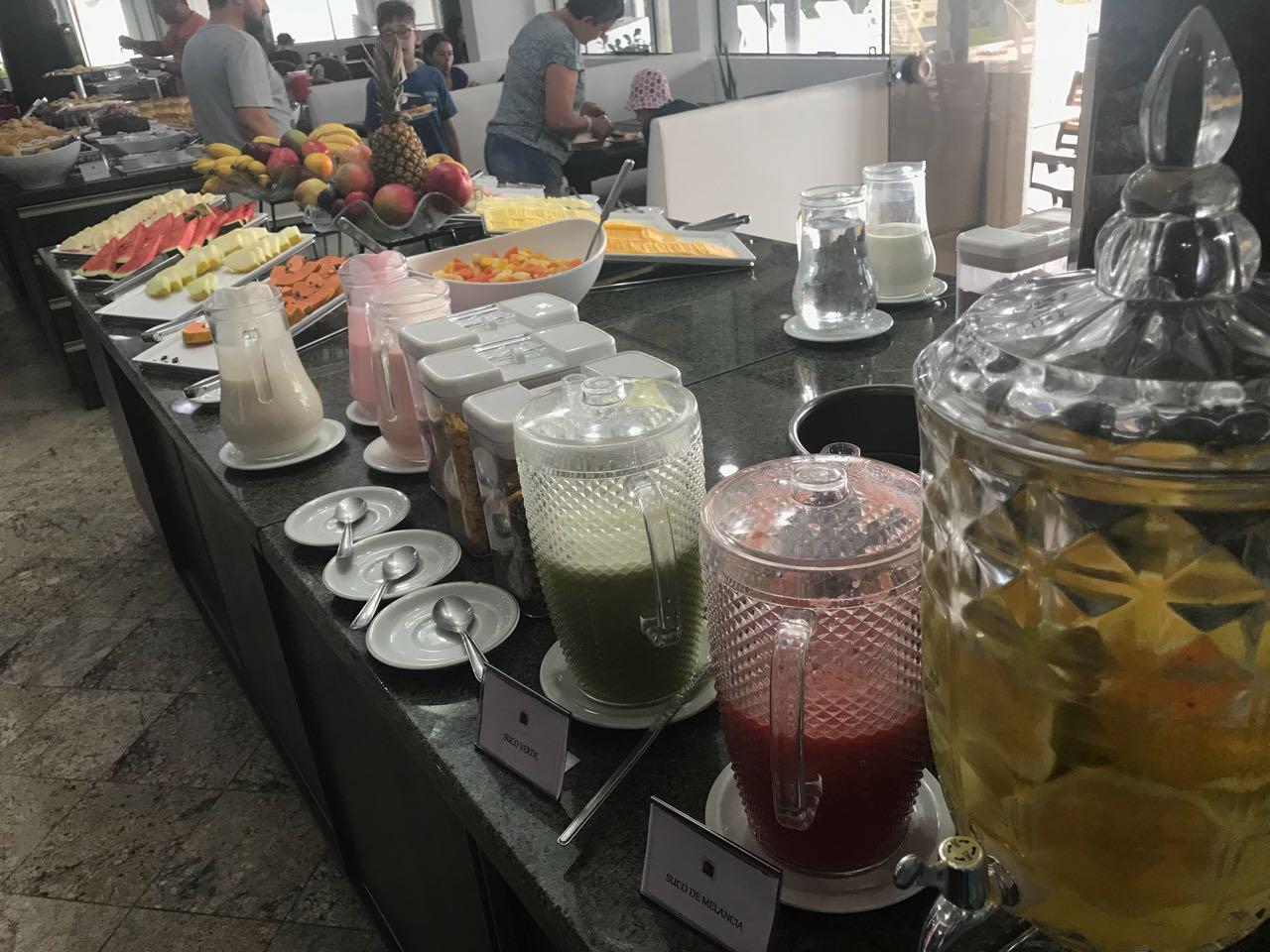café da manhã no hotel Atlântico