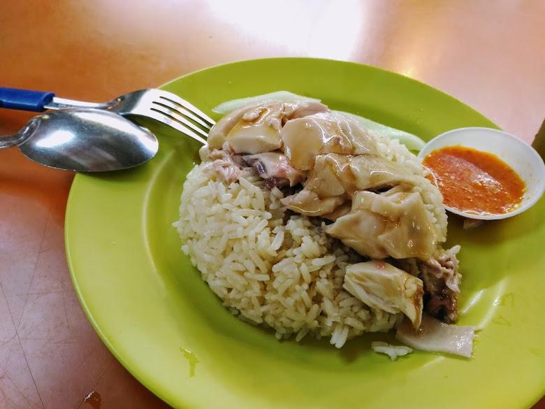 麥士威熱食中心中著名的海南雞飯