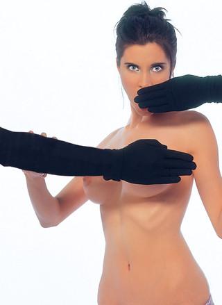 Baila desnudo y se echa cerveza encina - 3 part 2