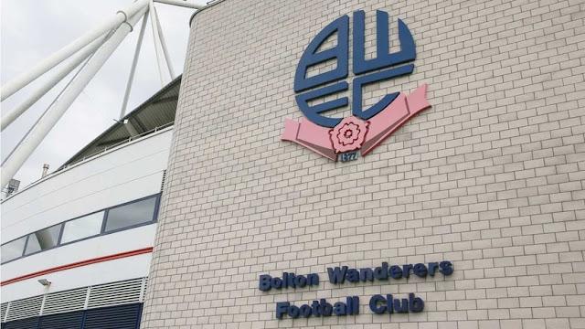 Jugadores de un club de fútbol de Inglaterra boicotean un partido por no recibir sus salarios