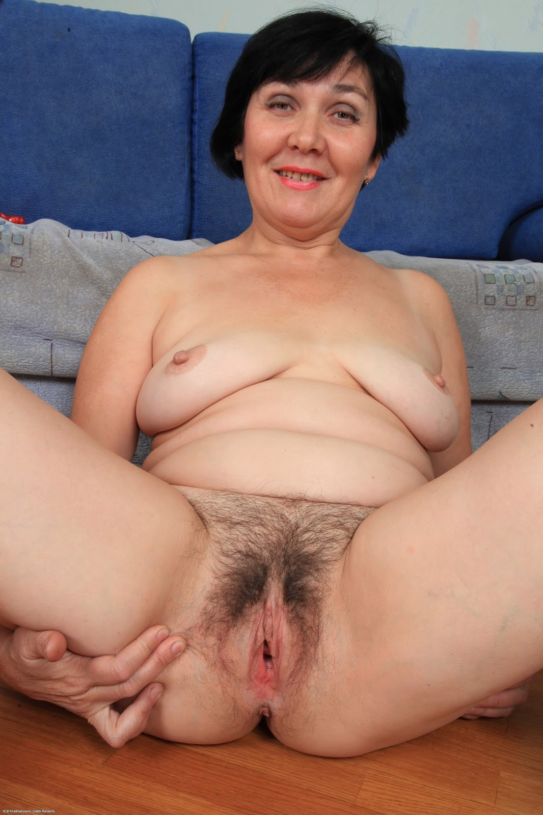 Mature naturals grannies