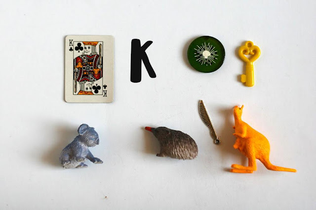 Language objects for Montessori alphabet box by TomToy