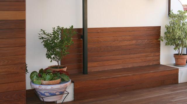 Revestimientos de pared de madera a medida espacios en madera - Revestimiento paredes exterior ...