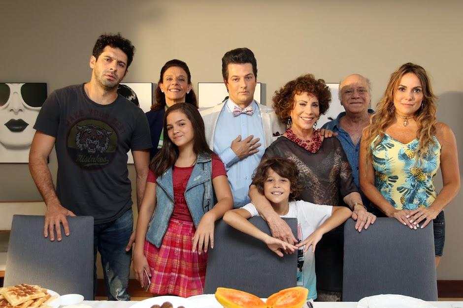 """Divulgado trailer da comédia """"Crô em Família"""", com Marcelo Serrado"""
