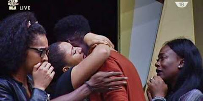 #BBNaija: S*xy Gifty No Longer Missing Soma as She Lock Lips with TTT in Kissing Card Game