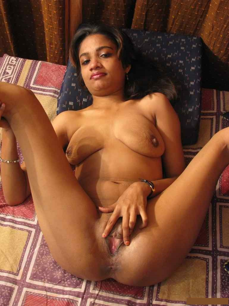 Indian Desi Aunty And Bhabhi Nude Photo Tamil Young Sexy -1058