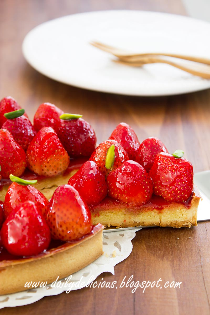 Dailydelicious strawberry tart cute and fresh tart for Easy jam tarts ready made pastry