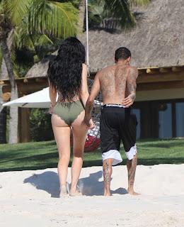 Kylie-Jenner-in-Bikini-2017--09.jpg