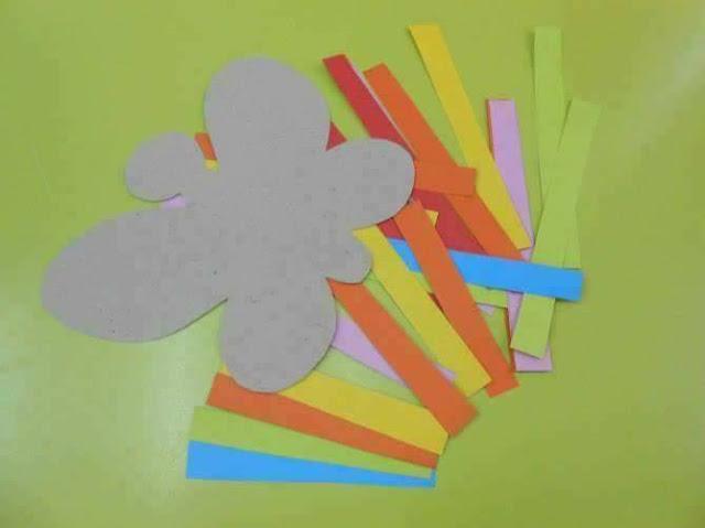 Artes com tirinhas de papéis
