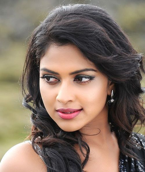 Amala Paul Upcoming Movies List 2018, 2019 & Release Dates, Amala Paul New Films Wiki, Amala Paul Next Release Date Wikipedia