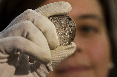Spain shows off $500M shipwreck treasure