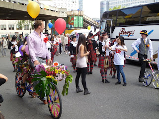 Southbank floral bicycle parade 5 on lambethcyclists.org.uk