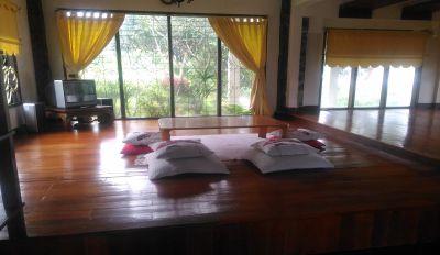 Villa Kayu Unik Dan Murah Di Lembang