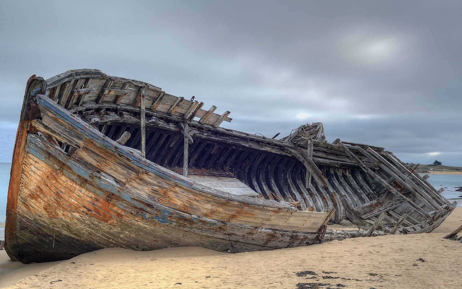 description on a shipwreck Shipwreck summary & study guide includes detailed chapter summaries and analysis, quotes, character descriptions, themes, and more.