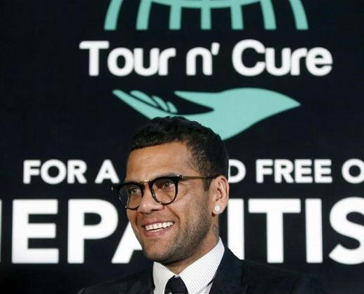 ¡INHUMANO! Gobierno rechazó medicamentos contra hepatitis C que donaría Dani Alves