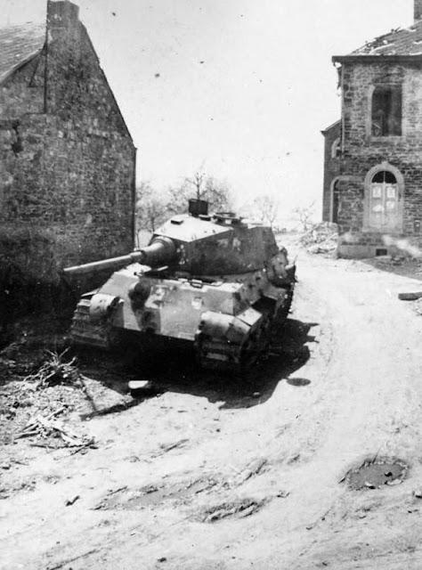 Tiger II tank worldwartwo.filminspector.com