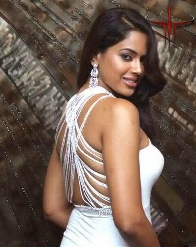 Naked Sameera 54