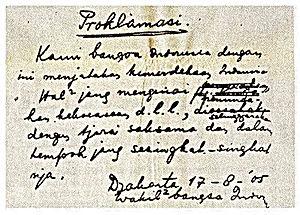 Setelah kekalahan Jepang kepada Sekutu ditandai dengan dijatuhkannya Bom Atom di Hiroshim Teks Proklamasi Kemerdekaan Indonesia