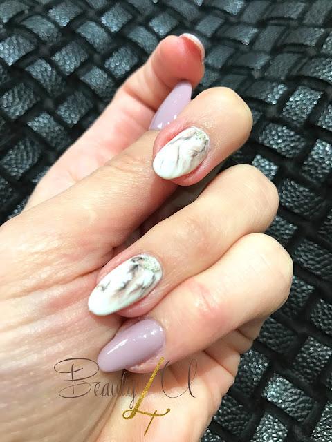 A'la marmurkowe - Nails