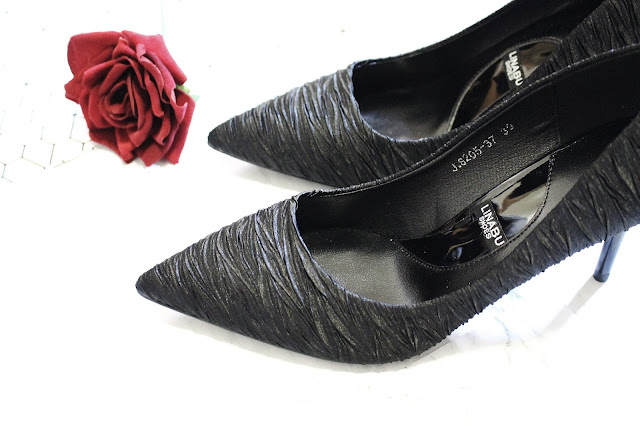 black crinkled heels, korean high heels shop, shanghai trends shoes, shanghai trends shop review, shanghaitrends blog review, shanghaitrends clothing, shanghaitrends shop,