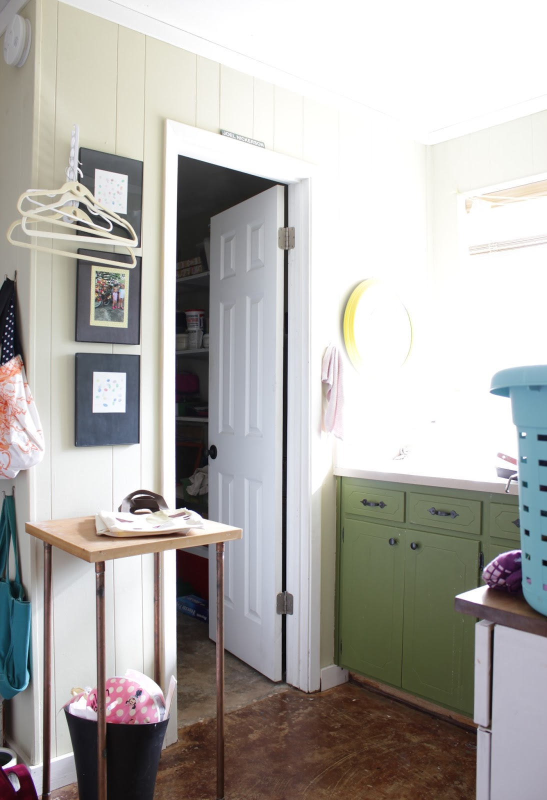 Before: DIY laundry room hanging rack | House Homemade