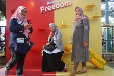 mengenalkan produk baru IM3 Ooredoo, yaitu paket New Freedom